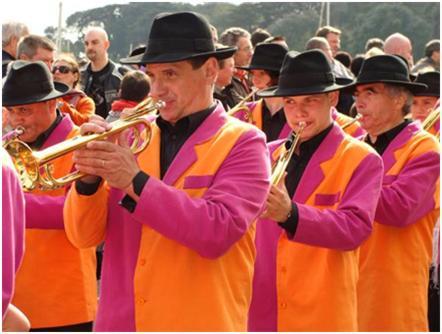 New's Fanfare fidèle au Marché de Noël de Nantes